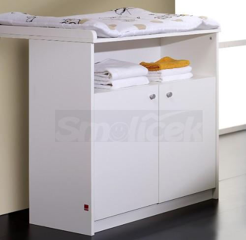 zbo skladem p ebalovac pulty a komody p ebalovac. Black Bedroom Furniture Sets. Home Design Ideas