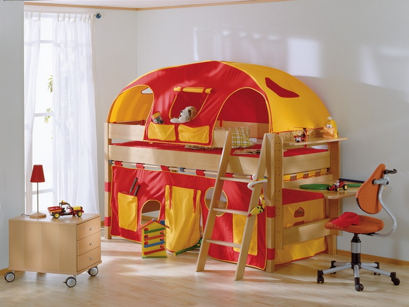 Zvýšená postel 125 cm Paidi VARIETTA s šikmým žebříkem