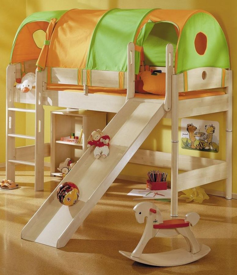 Zvýšená postel Paidi FLEXIMO s rovným žebříkem a skluzavkou